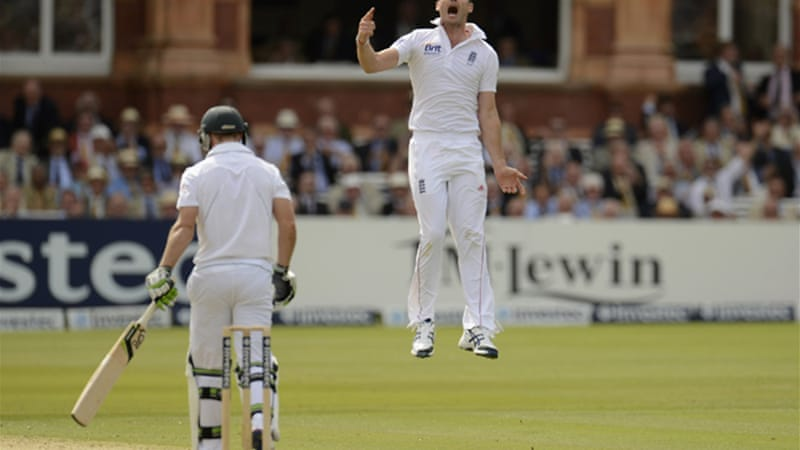 James Anderson was the pick of the English bowlers taking the wickets of Graeme Smith, AB de Villiers and JP Duminy [Reuters]