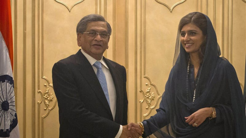 Pakistan's Foreign Minister Hina Rabbani Khar, right, and her Indian counterpart SM Krishna held talks in Islamabad [Reuters]