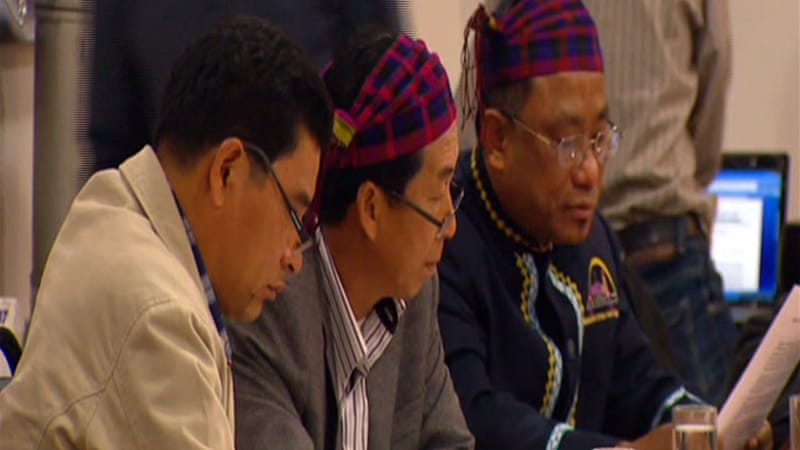 Kachin leaders say government forces are continuing to push towards their strongholds near China [Al Jazeera]