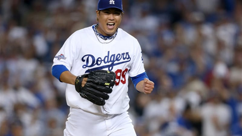 Ryu Hyun-Jin #99 of the Dodgers reacts after striking out Matt Adams #53 of the St. Louis Cardinals [GETTY]