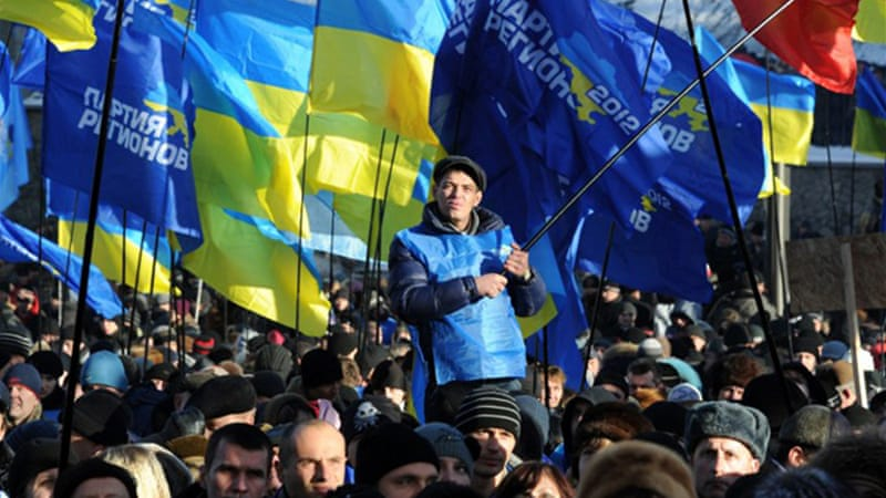 Authorities will bus thousands of Yanukovich supporters from provinces to counter opposition protests [AFP]