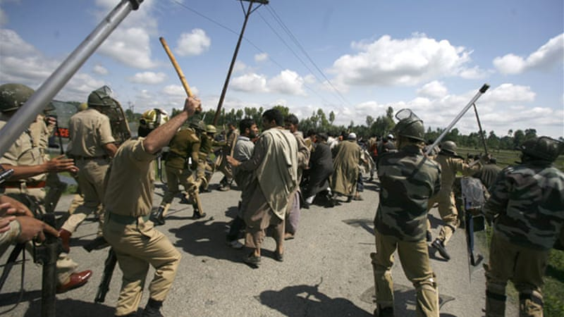 Violence between Kashmiri separatists and Indian security forces has been continuing for the past two decades [File photo: EPA]