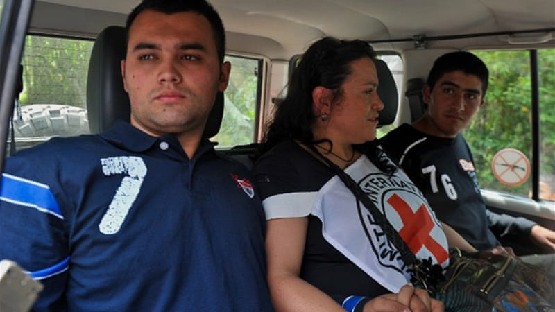 FARC rebels freed two police officers on February 15 ahead of the next round of peace talks in Cuba [AFP]