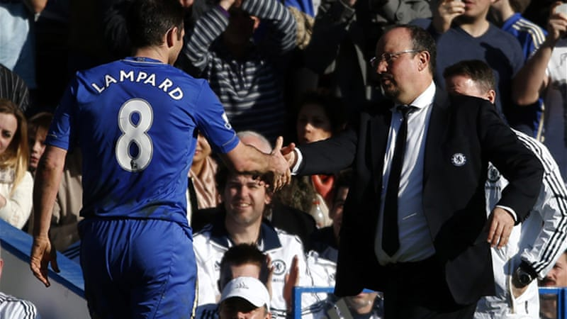 Benitez hit out at the opposition from disillusioned Chelsea fans, saying they weren't supportive of a 'team in transition' [Reuters]