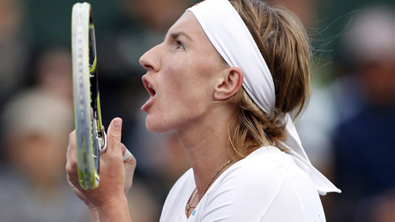 Svetlana Kuznetsova also advanced, recovering from a poor start to upset 18th-seeded Serb Jelena Jankovic 0-6 6-2 7-5 [Reuters]