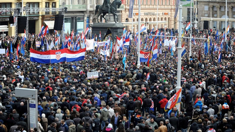 The protesters demanded that Vukovar be exempted from a law requiring the use of Cyrillic [AFP]