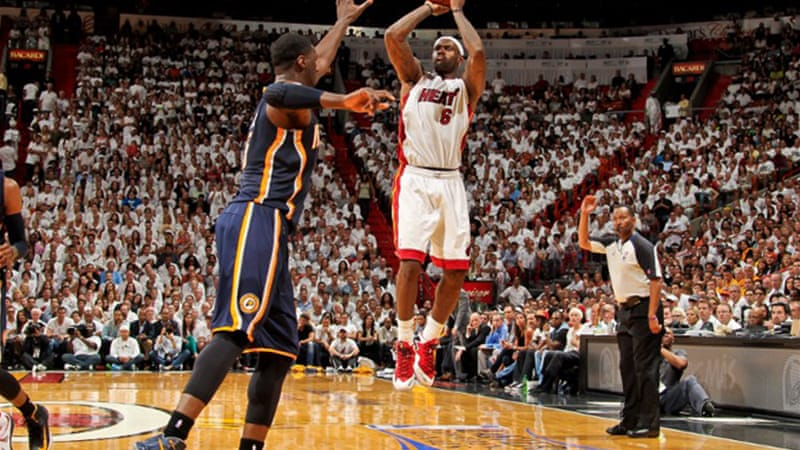 Miami were trailing 44-40 at half-time, but were powered by an inspired LeBron James who rallied a 30-13 third quarter win [AFP]