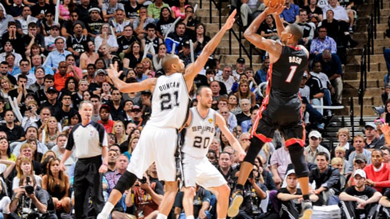 The victory at San Antonio levels the NBA Finals at two games each [AFP]