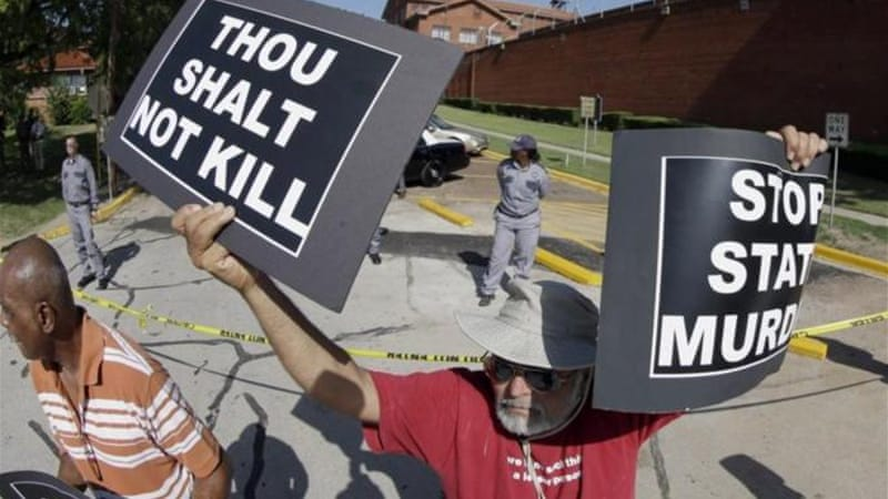 Around 30 death penalty opponents gathered outside the prison during the execution [AP]