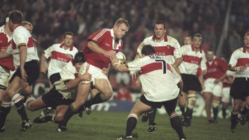 Tim Rodber, pictured above playing for the British & Irish Lions in 1997, is confident head coach Warren Gatland can make the tough decisions when faced with injury concerns [GALLO/GETTY]