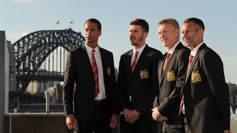 Moyes in Sydney with Rio Ferdinand, Michael Carrick and Ryan Giggs ahead of Saturday's match [AFP]