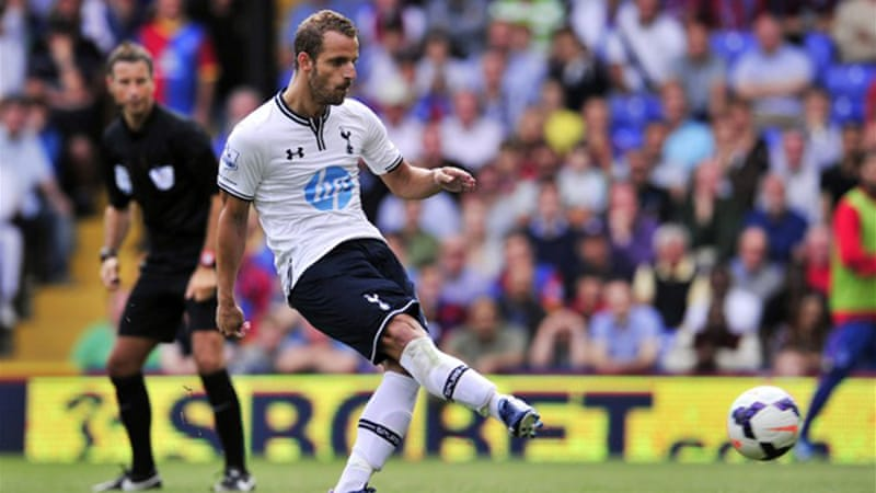 Spanish striker Soldado scores a second-half penalty to seal a 1-0 victory over London rivals Crystal Palace [AFP]