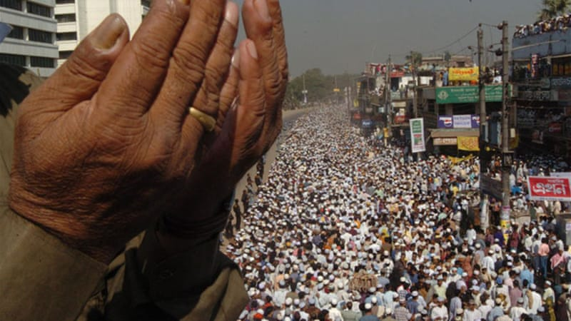 Millions of followers of Tablighi Jamaat congregate outside Dhaka each year as part of Biswa Ijtema [EPA]