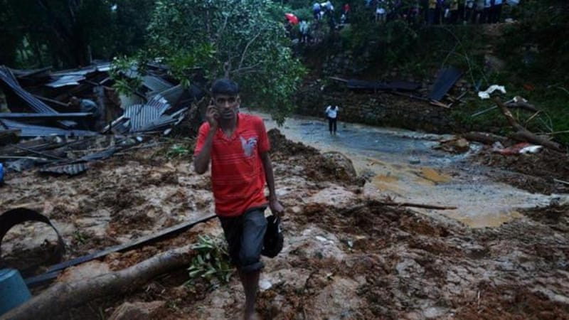 Sri Lanka rescuers have suspended the operations on Wednesday due to darkness and inclement weather [AFP]