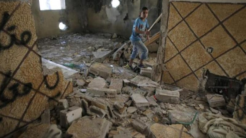 Israel begins demolishing homes over attacks