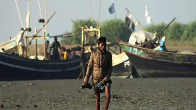 Rohingya risk lives to escape from Myanmar   News   Al Jazeera