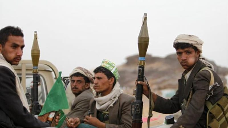 Houthi fighters are trying to tighten their grip on the north but have denied wanting to enter the capital [Reuters]