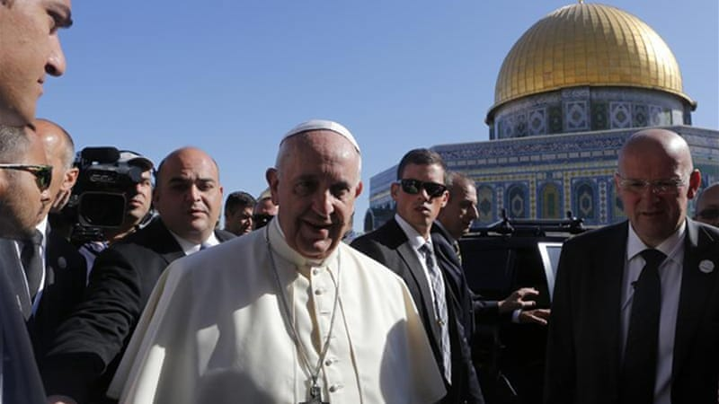 Francis started the morning at al-Aqsa Mosque in Jerusalem, the third-holiest site in Islam [Reuters]