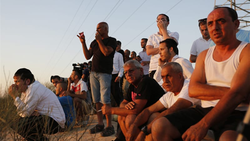 Israelis have set up a viewing area in the south to watch Israeli army air strikes on the Gaza Strip  [AP]