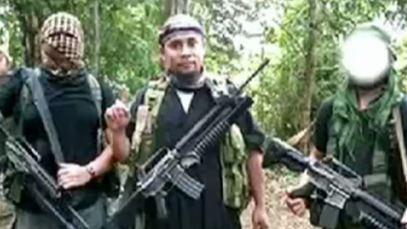 Some factions of the Abu Sayyaf have pledged allegiance to the Islamic State of Iraq and the Levant [Al Jazeera]
