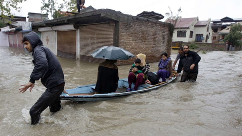 At least 100 villages across the Kashmir valley remain flooded by overflowing lakes and rivers [Reuters]