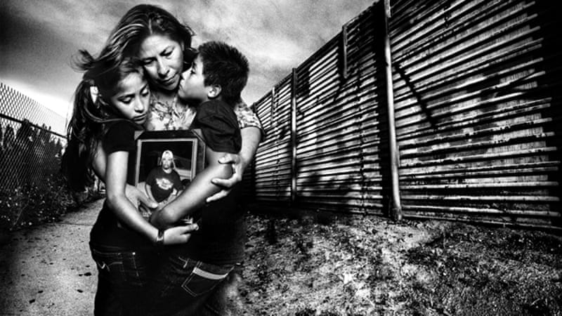 50,000 parents of US citizen children are deported at US border each year [Platon/The People's Portfolio for Human Rights Watch]