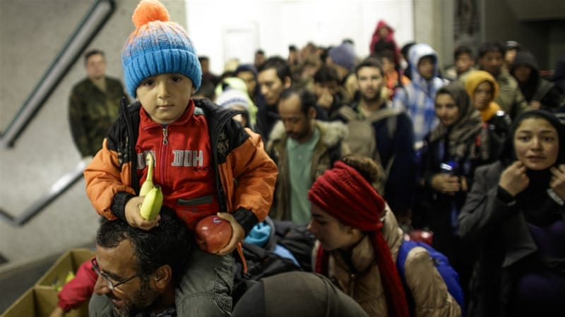 Germany expects up to 1.5 million asylum seekers in 2015 [AP]