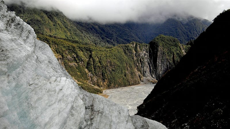 Poor weather at Fox Glacier reportedly contributed to the deadly crash [Tracey Nearmy/EPA]