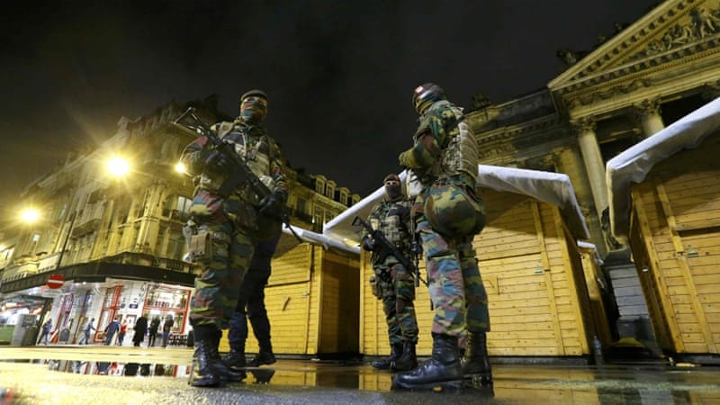 Belgian soldiers patrol in central Brussels [REUTERS]