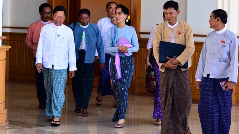 Thein Sein and Aung San Suu Kyi met for about 45 minutes on Wednesday [Reuters/Myanmar News Agency]