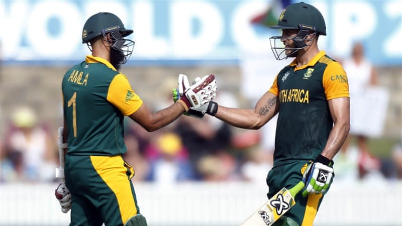 Alma (left) and du Plessis put on 247 for the second wicket [Reuters]