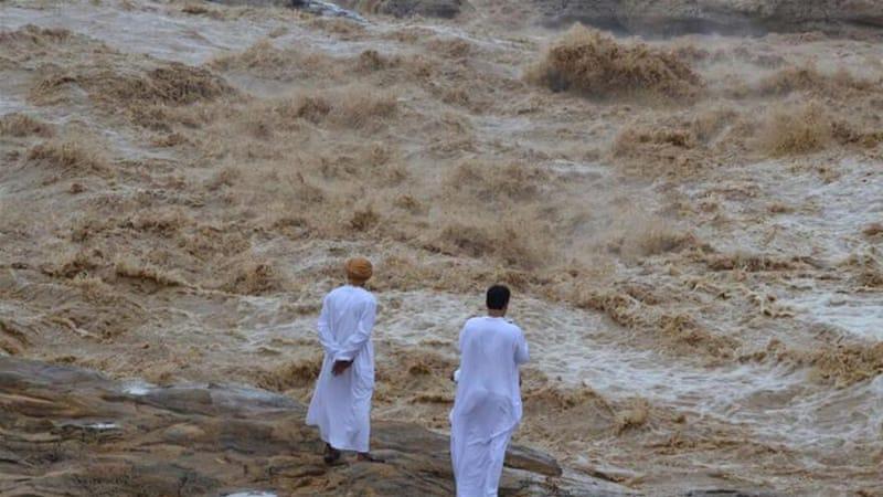 Heavy flooding after Cyclone Ashobaa hits Oman | News | Al Jazeera