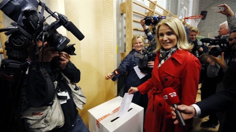 Prime Minister Helle Thorning-Schmidt's centre-left won 87 seat while centre-right opposition won 88 seats according to TV2 poll [AP]