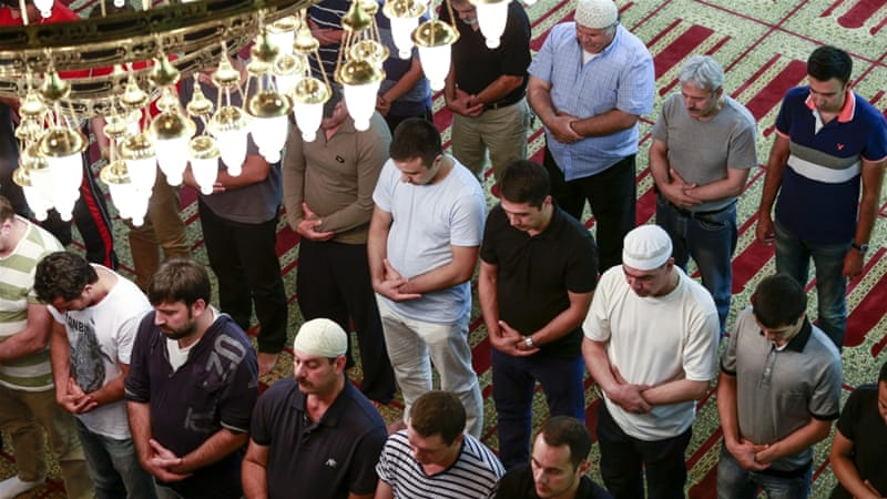Muslims perform the first prayer on eve of this year's Ramadan at the Abu Ayyub Mosque in Brooklyn, New York [Getty]