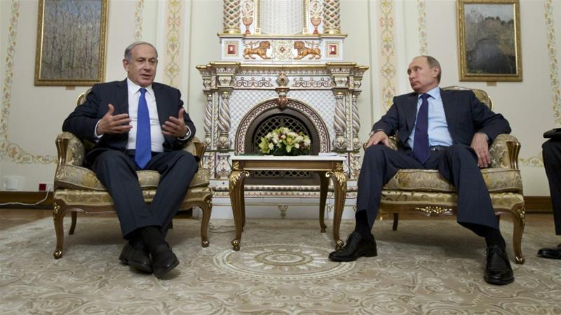Netanyahu (L) said he and Putin 'agreed on a mechanism to prevent [...] misunderstandings' [Reuters]