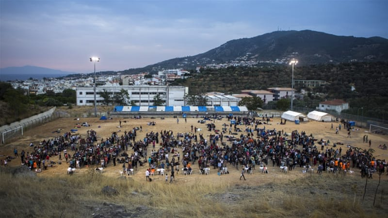 UN says figures close to 10,000 people entered Macedonia from Greece in the first week of September [AP]