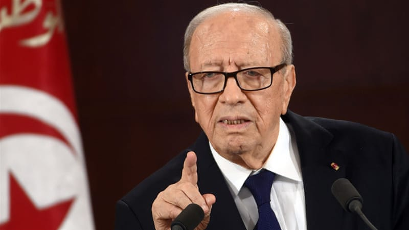 Tunisia orders army to protect oil and gas fields
