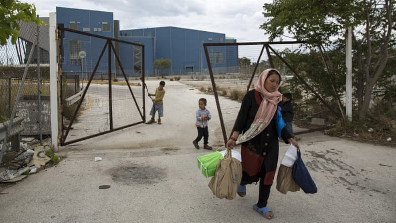 Refugees leaving are eligible for one-off support of up to 3,000 euros [Yorgos Karahalis/AP]