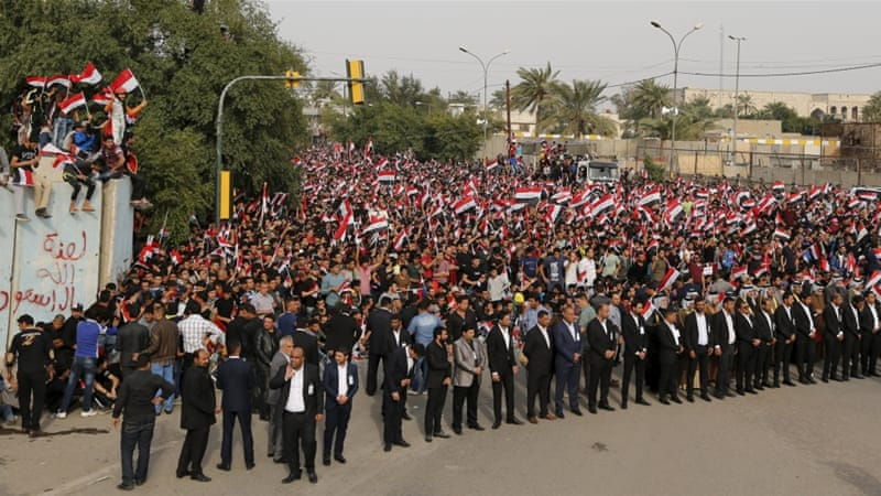 File photo: Iraqis gathered for a third week in a row to protest corruption as they called for a government overhaul [Ahmed Saad/Reuters]