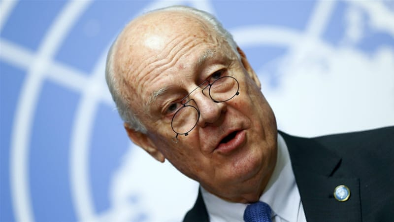 Staffan de Mistura spoke to reporters on Monday morning, moments before resuming 'proximity talks' [Ruben Sprich/Reuters]