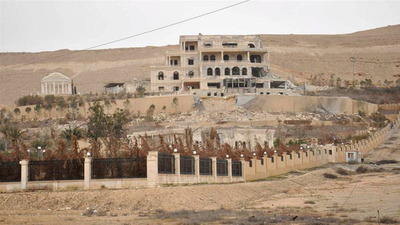 A palace complex, which has been recaptured by Syrian government forces, on the western edge of Palmyra [Reuters/SANA]
