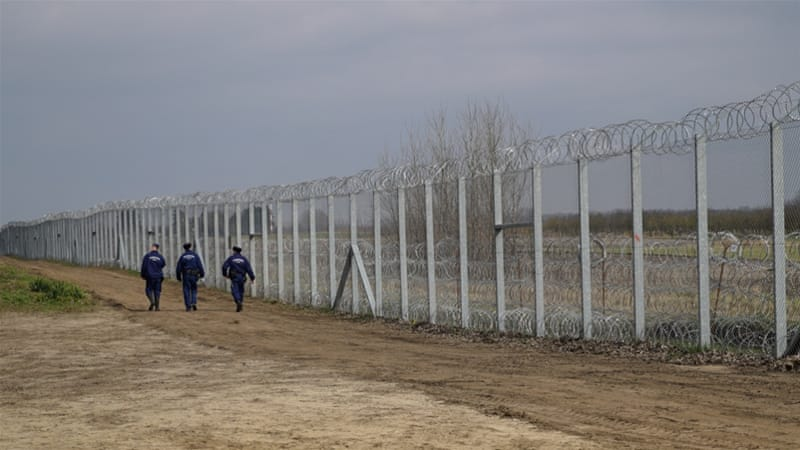 The border fence built by Hungarian authorities on the country's border with Serbia [Sorin Furcoi/Al Jazeera]