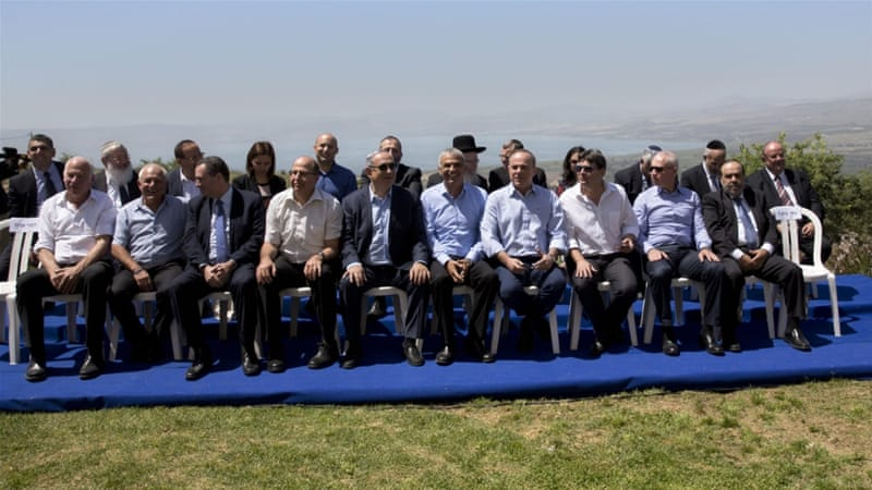 For the first time, Israeli PM Netanyahu held his weekly cabinet meeting in occupied Golan Heights [SebastianScheiner/EPA]