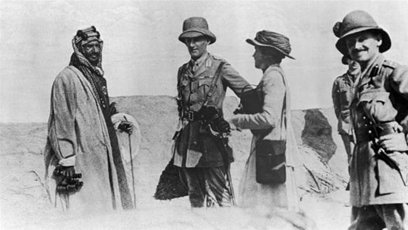 Sir Percy Cox and famed adventurer and explorer Gertrude Bell speaking with an Arab leader during a visit to Mesopotamia [Getty]