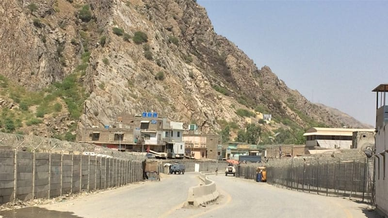 Pakistan said it wanted to build a fence on the Afghanistan border to keep out Afghan fighters [Al Jazeera]