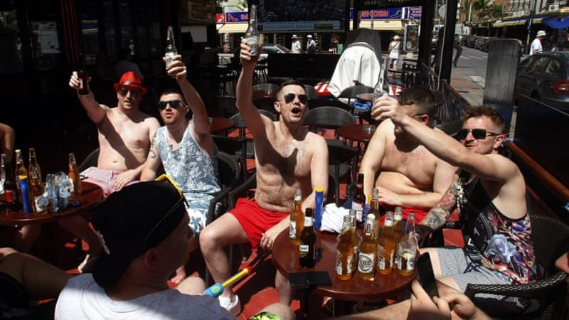 British tourists toast the win of Brexit outside a cafe in Benidorm, Alicante, eastern Spain [EPA]
