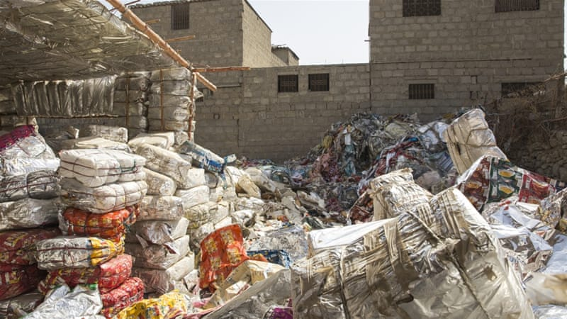 The Woman Turning Rubbish Into Homes In Pakistan