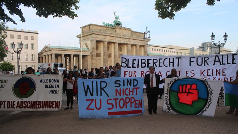 Germany: Roma march against asylum-seeker crackdown