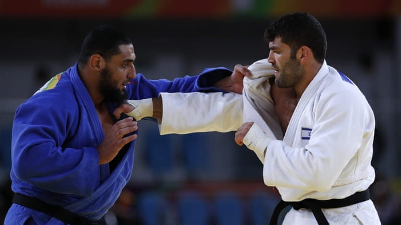 Egyptian judoka who wouldn't shake Israeli's hand sent home — Olympics