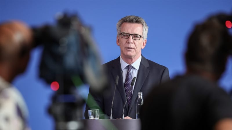 De Maiziere ruled out indications of concrete plans for attack [Michael Kappeler/EPA]